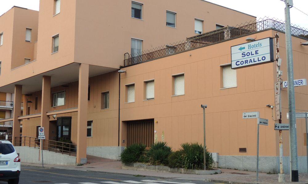 Era agli arresti domiciliari a Diano Marina, ma non li rispettava, ora finisce in carcere, arrestato dai Carabinieri