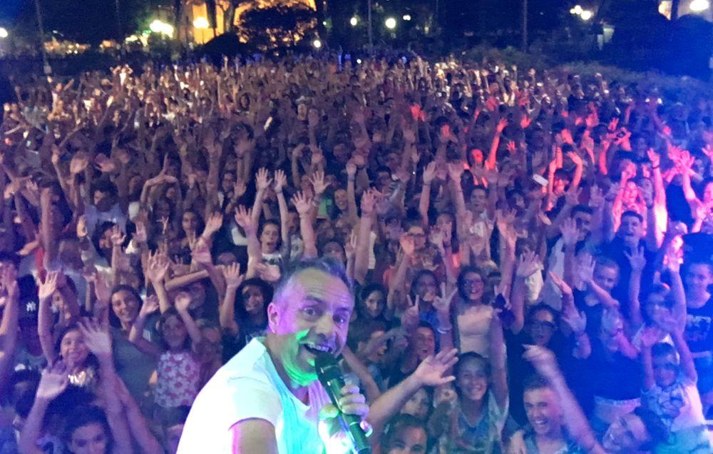 """Stasera a Diano Marina c'è """"Balliamoci l'estate"""" sulla piazza del Comune"""