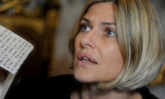 """Oggi, giovedì e venerdì 6 appuntamenti a Cervo con """"Anna Karenina"""" il singolare spettacolo con Irene Ivaldi"""