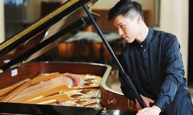 Martedì a Cervo si esibisce il pianista coreano Junhee Kim nella piazza dei Corallini