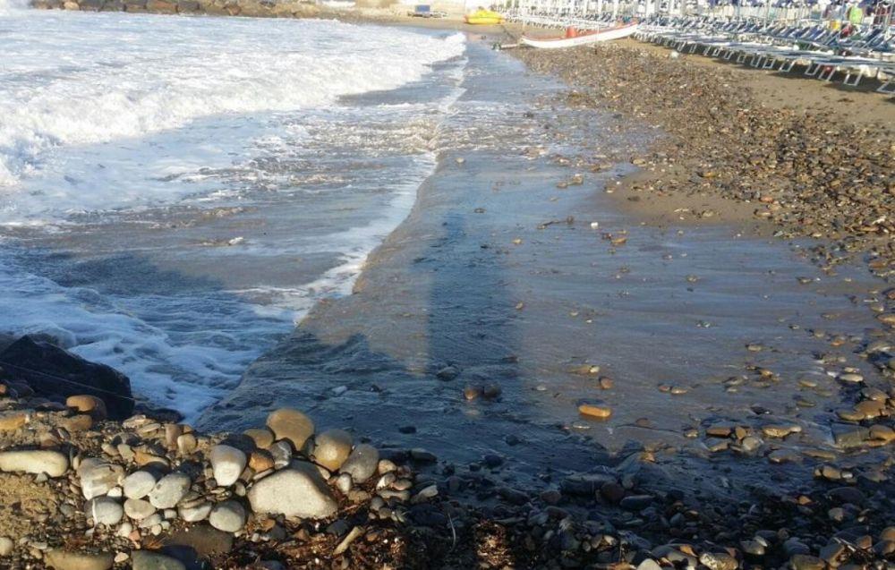 Sanremo, nuovi danni per la mareggiata alle spiagge della foce.  La Confartigianato al fianco dei balneari