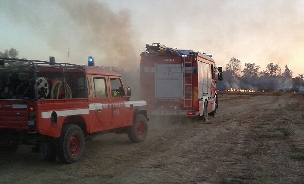 A Guazzora un incendio crea problemi ad una cascina alla periferia del paese