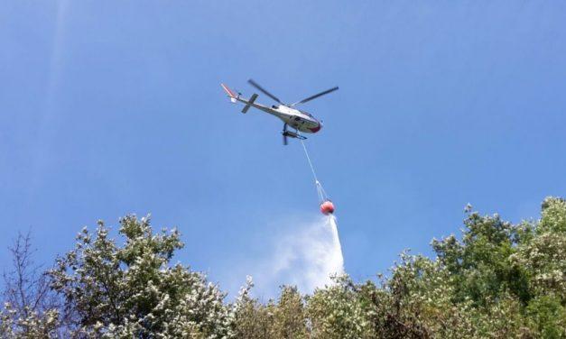 In Val Borbera a Mongiardino Ligure, un bosco brucia da oltre 30 ore