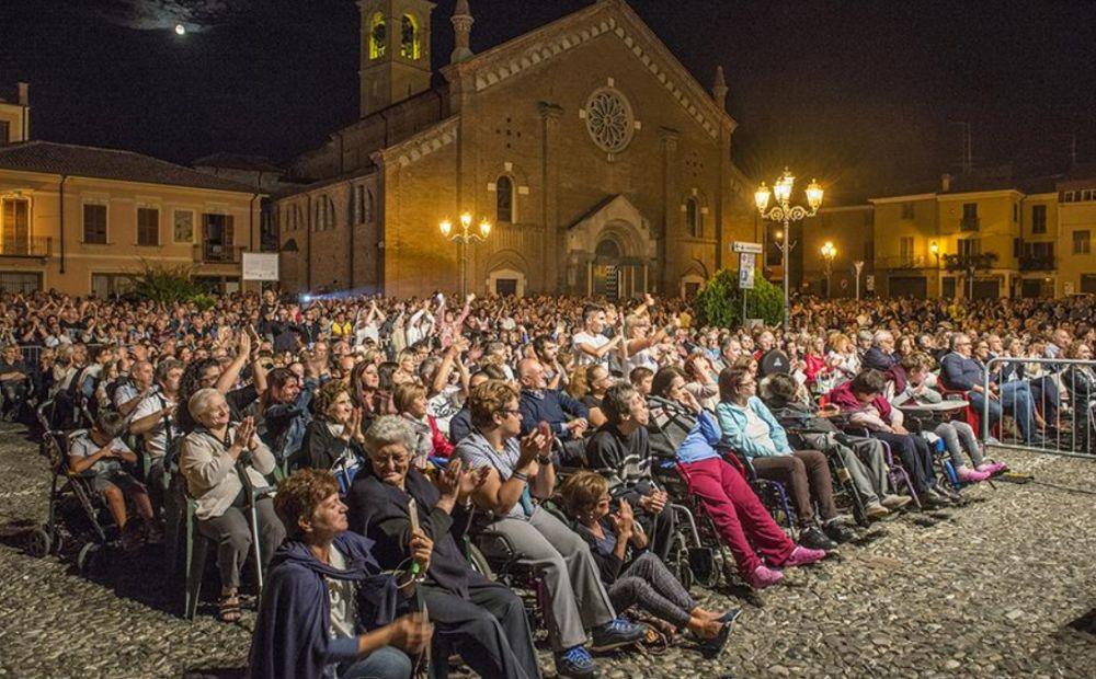 A Castelnuovo Scrivia con Dody Battaglia raccolti quasi 20 mila euro per la Senologia di Tortona