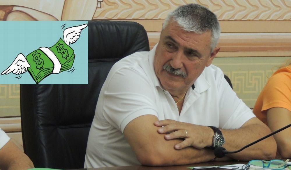 Derubato il sindaco di Diano Marina: i ladri entrano in casa e gli portano via soldi e armi