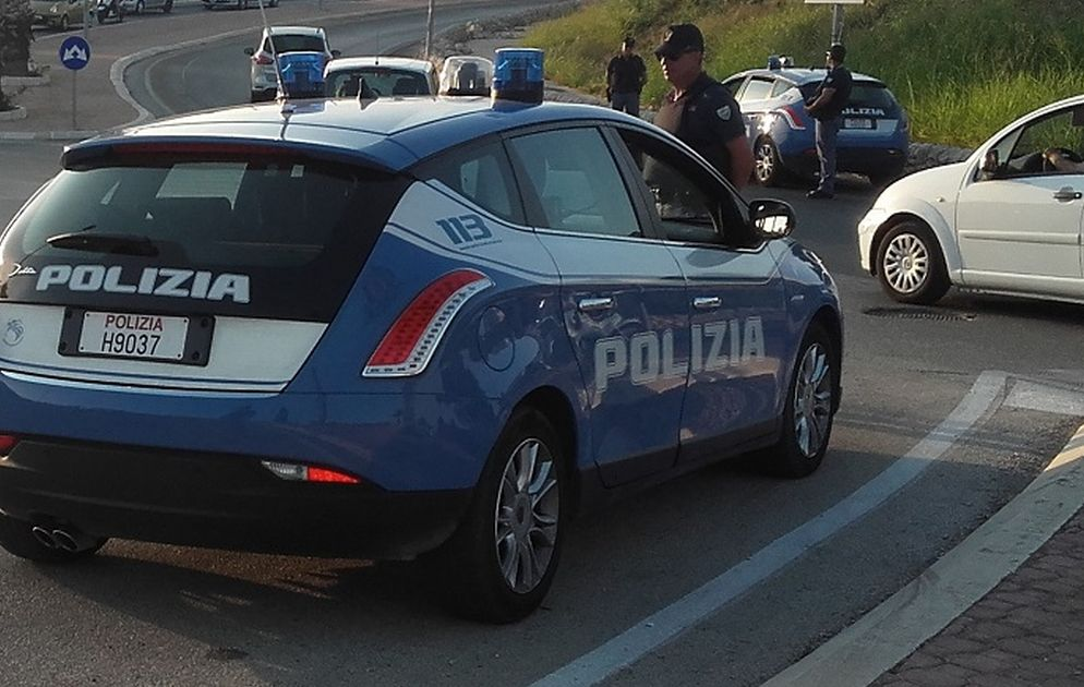 Sanremo, ruba un auto e provoca un incidente, arrestato
