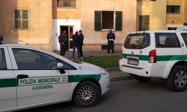 Animata discussione in piazza della Libertà ad Alessandria tra un italiano e uno straniero, i Vigili arrestano quest'ultimo