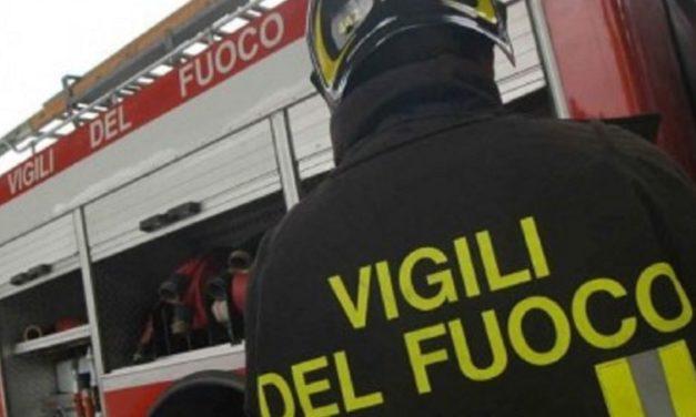 Tamponamento fra tre camion alla periferia di Tortona, un ferito