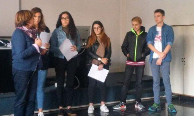 """Gli studenti del """"Marconi"""" di Tortona in lotta contro il bullismo"""