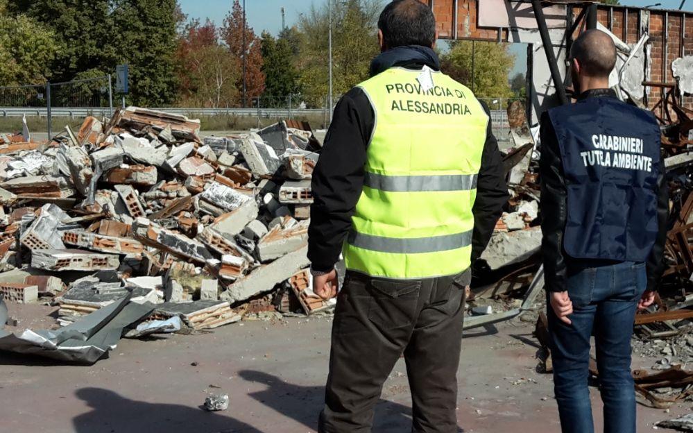 I Carabinieri di Acqui Terme scoprono anomalie in un cantiere edile