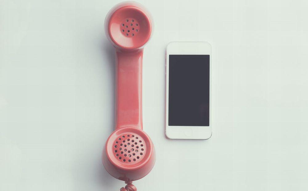 Addio telefono fisso: la comunicazione oggi è 2.0 e via smartphone