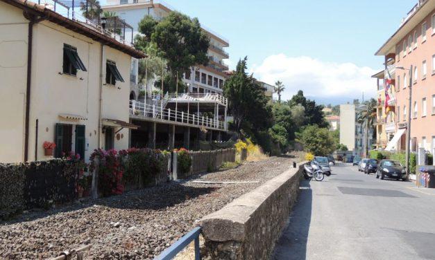 Diano Marina raddoppia i parcheggi gratuiti sull'ex sedime: anche in via Torino sorgerà un'area di sosta