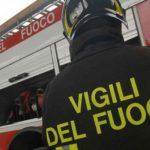 Padre e bimba sfiorati dal crollo di una vetrata nell'atrio della stazione a Bordighera.