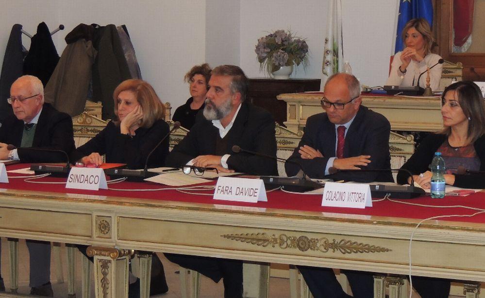 """Tanti cittadini non vedono i canali Rai, il Consiglio comunale di Tortona dice """"Basta"""" e scrive agli enti interessati"""