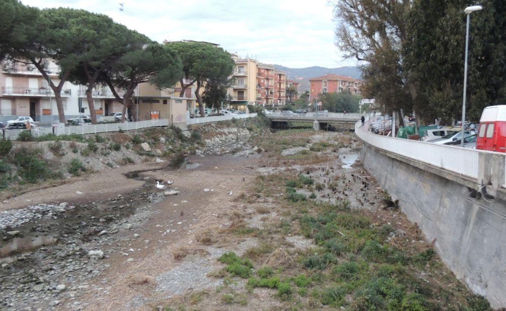Il torrente Evigno a Diano Marina è stato pulito, i lavori sono Ok: la Giunta paga 78.400 euro alla ditta