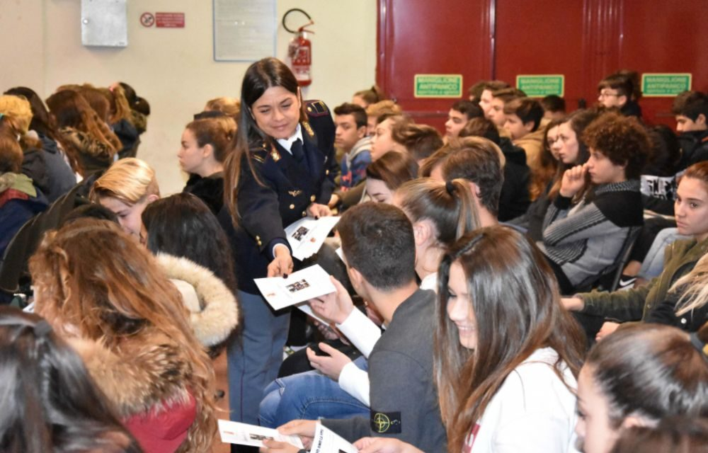 Ventimiglia, La Polizia di Stato promuove la campagna contro il disagio giovanile