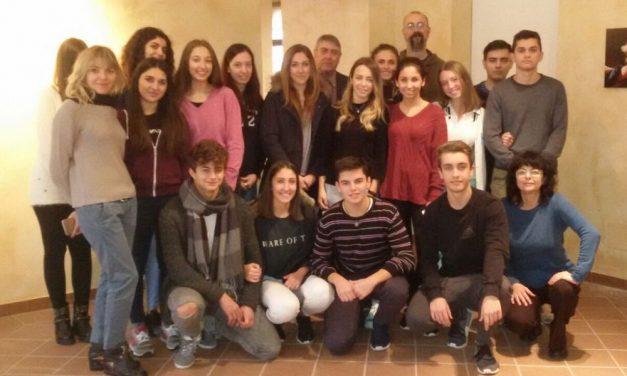I tortonesi del Liceo Peano con Giorgio Bonomi allestiscono la mostra sull'autoscatto a Palazzo Guidobono