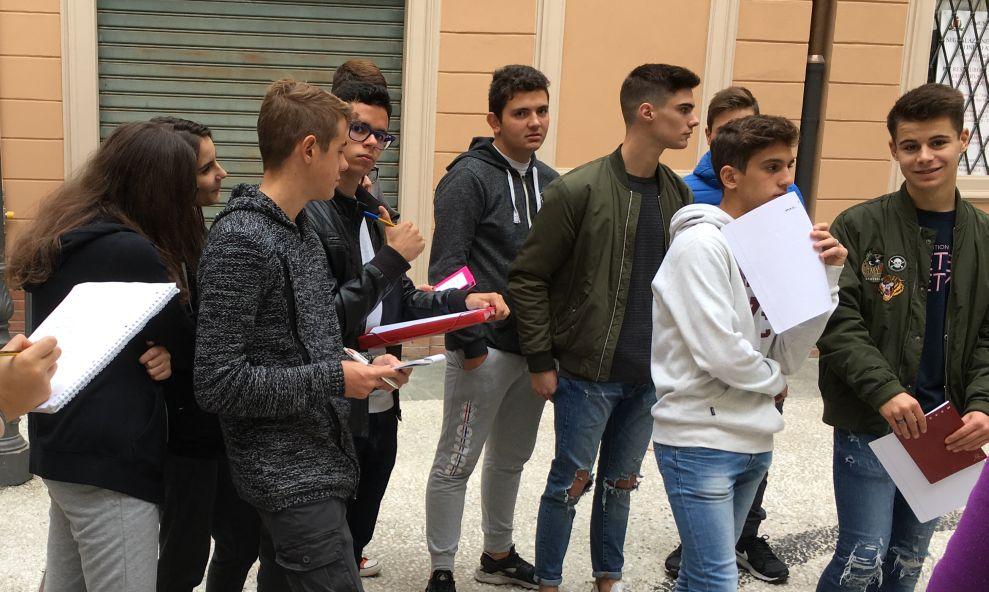 Gli studenti del Marconi di Tortona in visita ai lavori di restauro della chiesa di San Michele