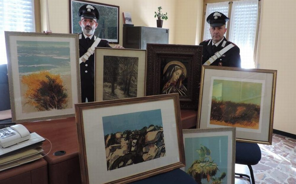 Mercante d'arte d Acqui Terme truffava i clienti e finisce nei guai. I carabinieri recuperano i quadri