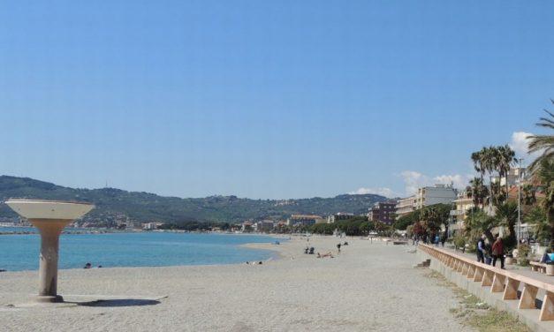 Turismo a picco a San Bartolomeo al Mare: perse 15.818 presenze pari a un calo del 4,77%