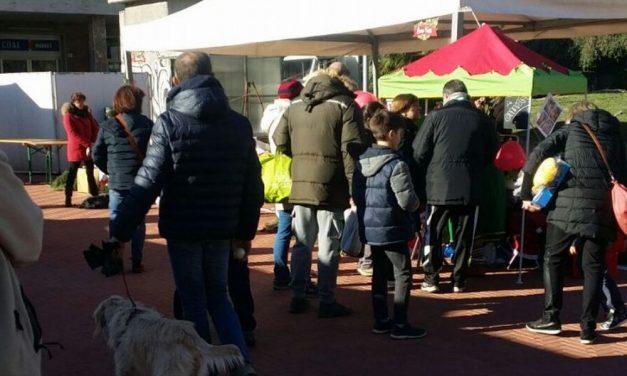 Tanta gente al mercatino di Natale a San Bartolomeo che prosegue anche domenica
