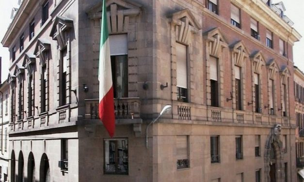 Alessandria, continua fino a domenica 25 marzo l'esposizione di arte a bambole a Palazzo Monferrato