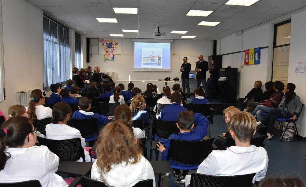 La Polizia di Ventimiglia nelle scuole per insegnare la legalità