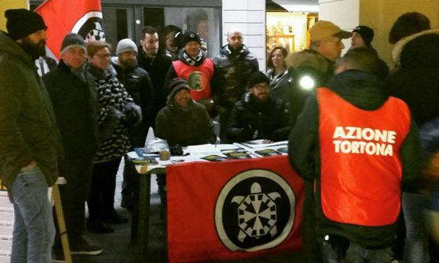 CasaPound Italia tutt'altro è che un rifacimento del Partito Nazionale Fascista perché gli manca tutto