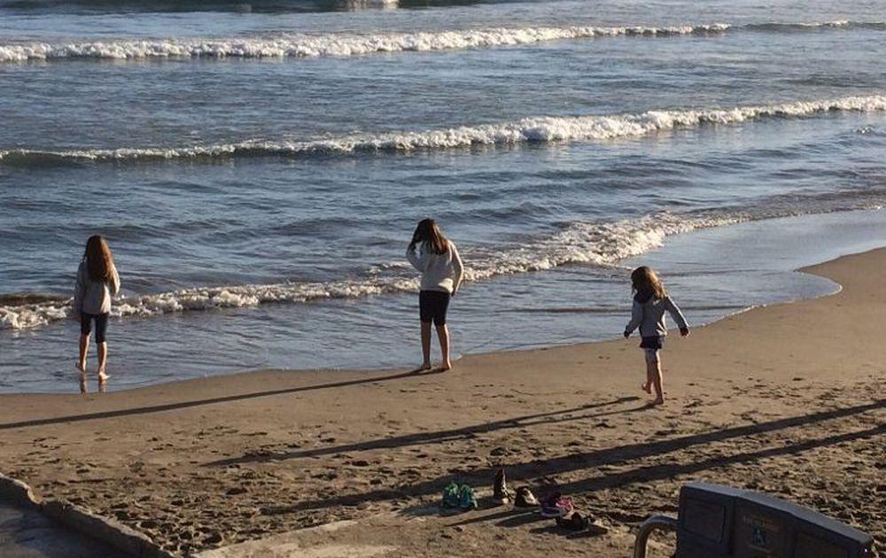 """L' associazione """"Il Cuore di Martina""""ha salvato una mamma e le sue bambine che vivevano in spiaggia a Diano Marina"""
