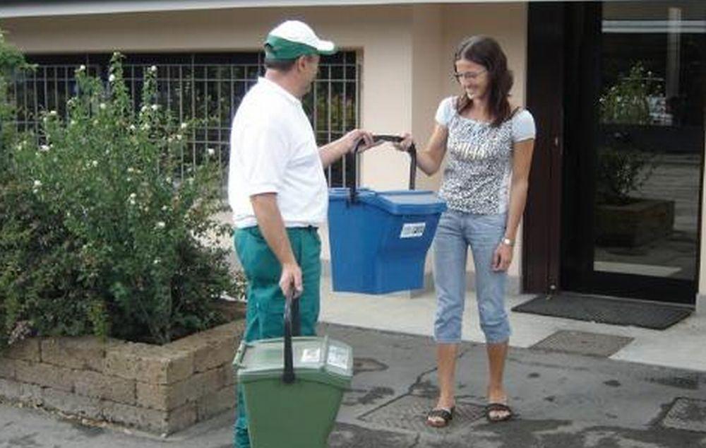 """A Gavi prende il via il nuovo sistema """"porta a porta"""" di raccolta dei rifiuti"""