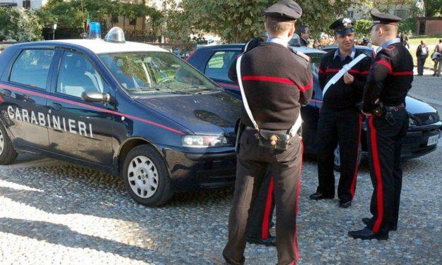 I Carabinieri di Tortona sorprendono il ladro che rubava piante al cimitero e persino in chiesa a Volpedo