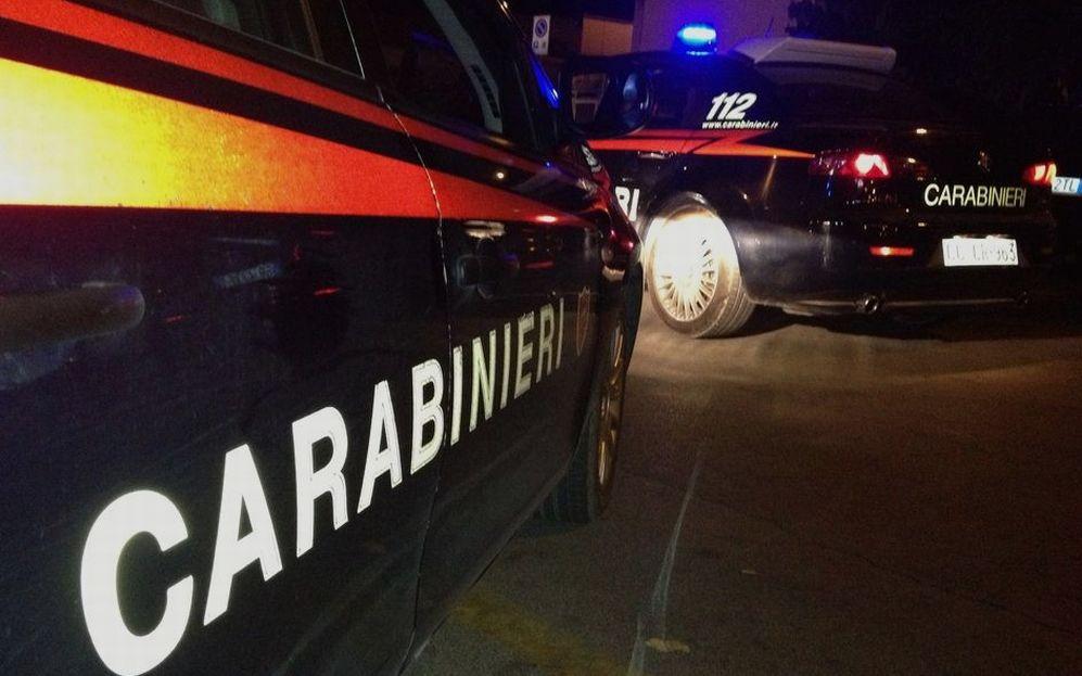Tortona, un albanese in stato di alterazione dà in escandescenze al Luna club e si avventa contro i Carabinieri, arrestato