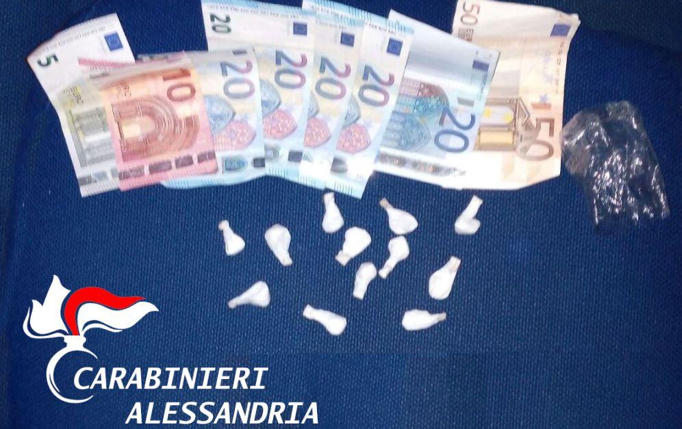 San Salvatore, Controllato alla guida di un auto, aveva addosso 12 dosi di cocaina