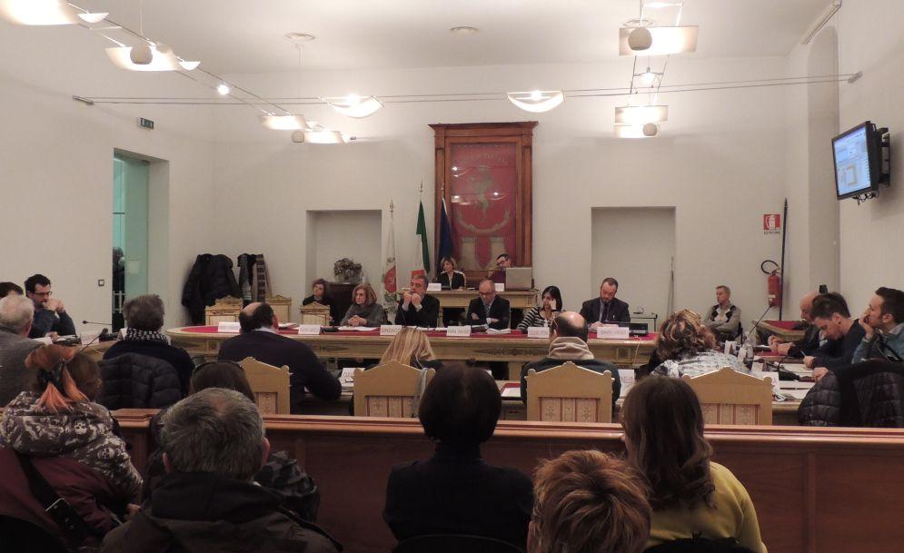 Mercoledì si riunisce il Consiglio comunale di Tortona con un fitto ordine del giorno