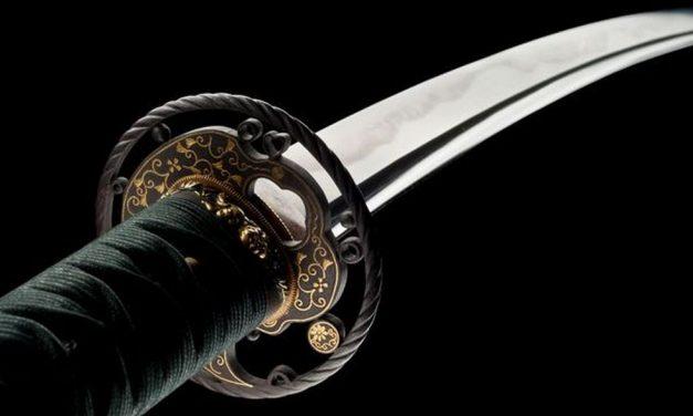 A Diano Castello trovata un spada Katana abbandonata