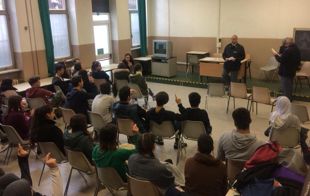 Gli studenti del Marconi di Tortona incontrano la polizia postale per la sicurezza sul web