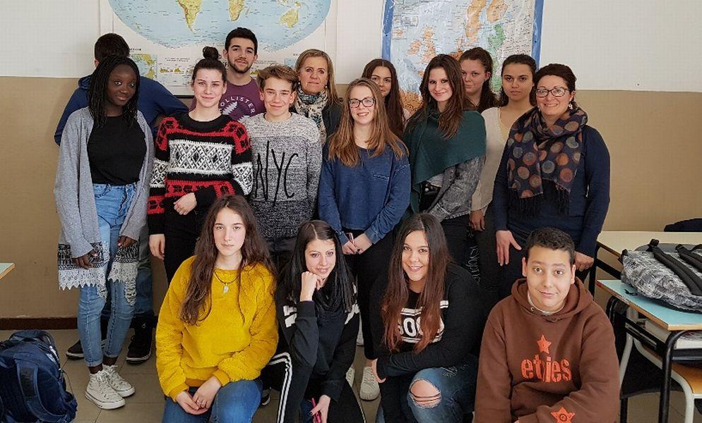 """Gli studenti del """"Marconi"""" di Tortona hanno inventato una nuova banconota"""