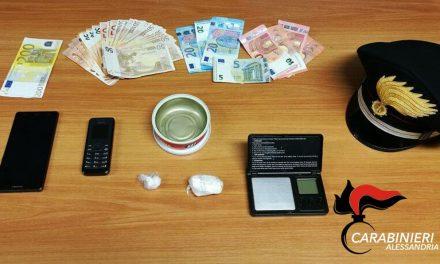 I carabinieri di Valenza arrestano un albanese per droga e sequestrano questo materiale
