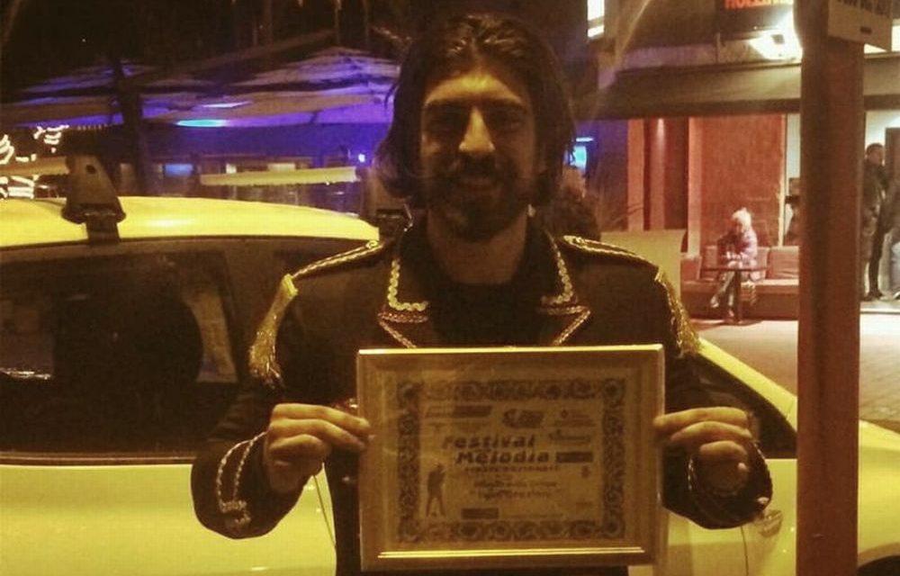 Il cantautore dianese Simone Alessio vince il premio della critica al Festival Italiano della Melodia