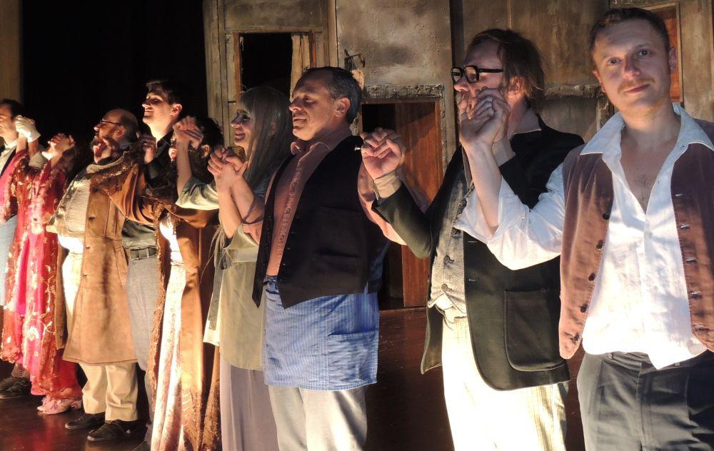 """Il Teatro Civico di Tortona fa il """"pieno"""" anche quando recitano attori meno famosi"""