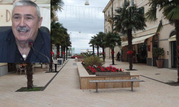 Il centro di Diano Marina può essere abbellito dai negozi ma solo con oggetti e sculture e non più con merce in vendita sul suolo pubblico