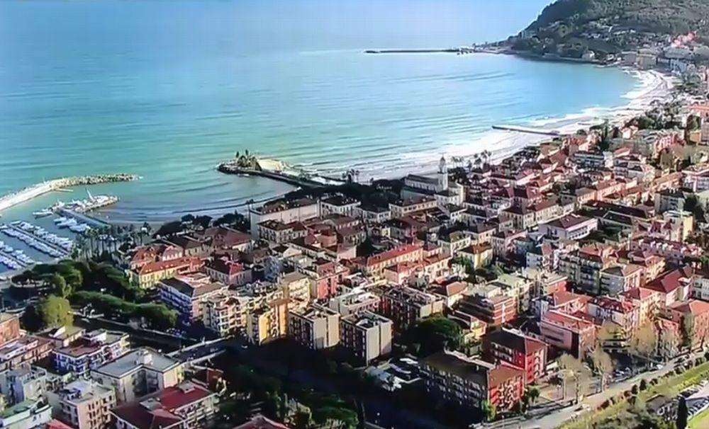 Ecco cosa fare per far ritornare i turisti italiani a Diano Marina che sono diminuiti del 12% dall'inizio dell'anno