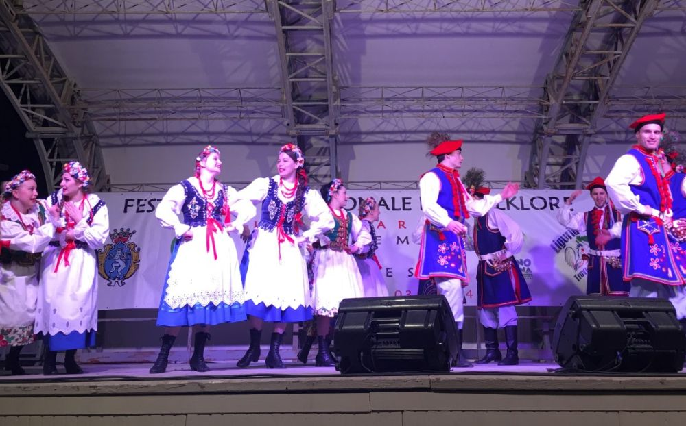 Le immagini del primo concerto del Festival del Folklore a Diano Marina e della banda musicale