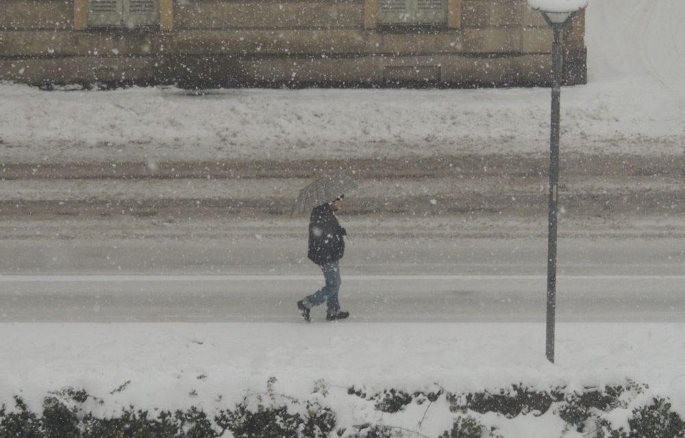 Il punto sulla nevicata a Tortona e sulle operazioni di pulizia a strade e marciapiedi
