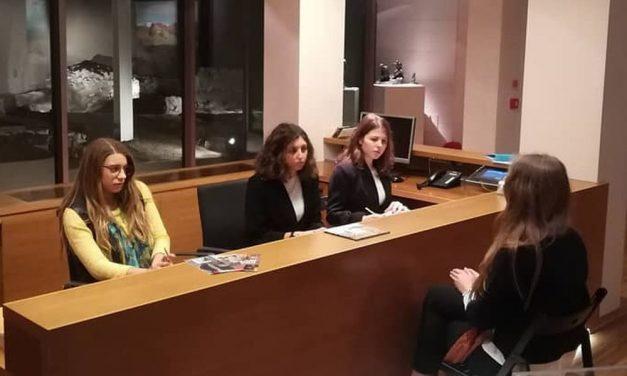 Gli studenti del Liceo Peano parlano in tedesco alla Pinacoteca della Fondazione Cassa di Risparmio di Tortona