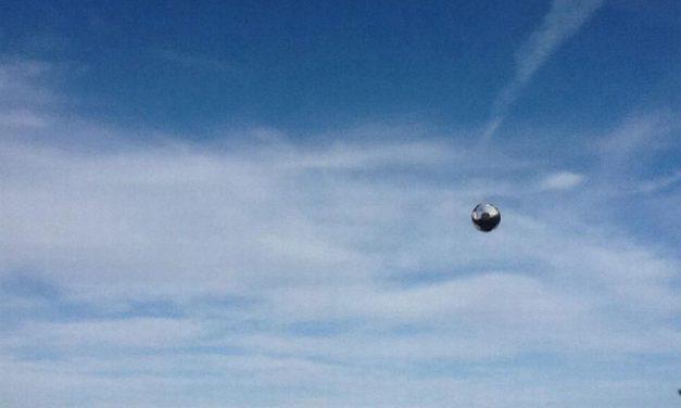 Ufo nel Golfo Dianese? Le foto giunte in redazione aprono forti interrogativi su cosa si tratti e alcuni esperti le stanno già studiando