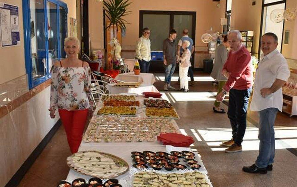 """Grande festa a Diano Marina per l'edicola di Luciano Incardona: """"Ho tanti ricordi, e sono molto emozionato, ringrazio tutti"""""""