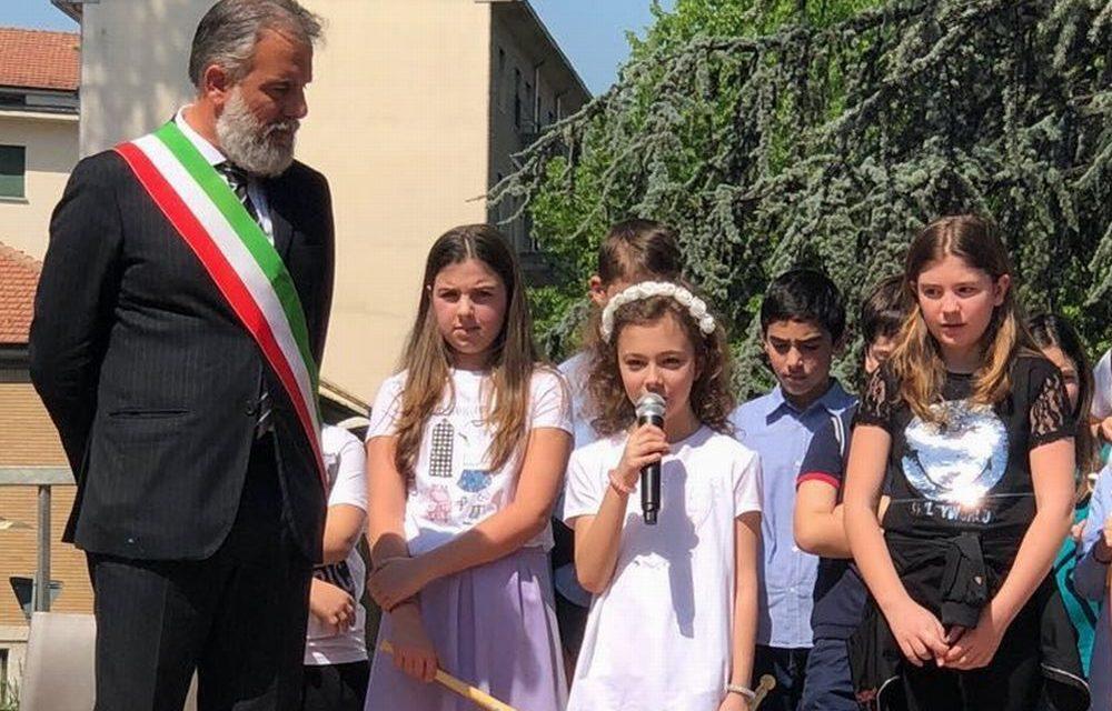 Tortona ha ricordato il 25 aprile con testimonianze di chi c'era, bambini e adulti. Le immagini e il discorso del Sindaco