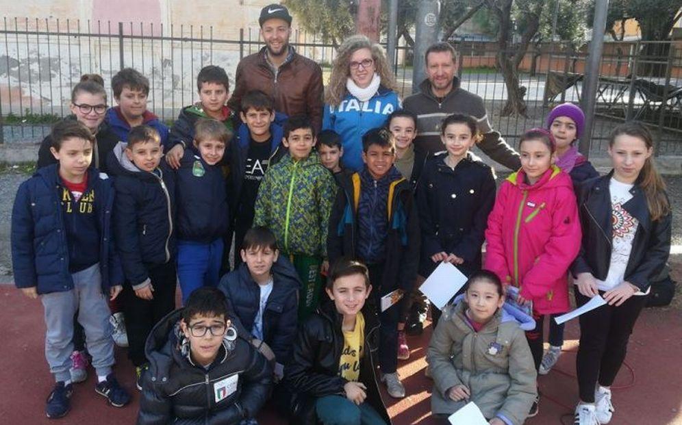 Grazie a Massimiliano Basteris, gli alunni di Diano Marina hanno incontrato due campioni dello sport. Le immagini
