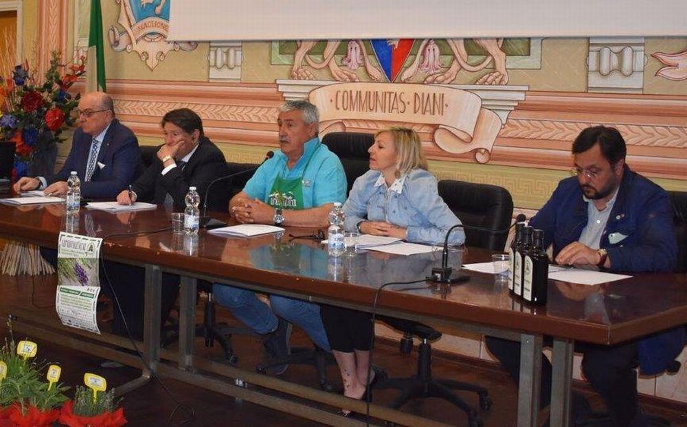 Gli appuntamenti gastronomici nel locali del Golfo Dianese e lo Street Food ad Aromatica presentati in Consiglio